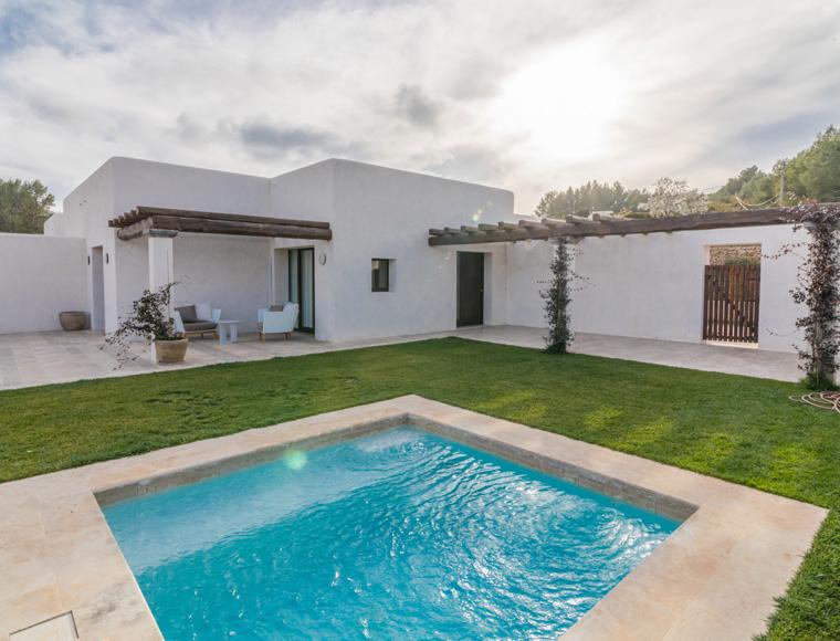 El Grupo Madeplax recibe carta de satisfacción del Ibiza Land Hotels por el trabajo realizado en el proyecto Safragell Ibiza Suites Spa